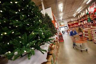 christmas_shopping_20111208165238_640_480-10195
