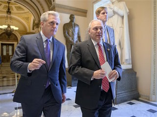 House approves bill to curb refugee passage