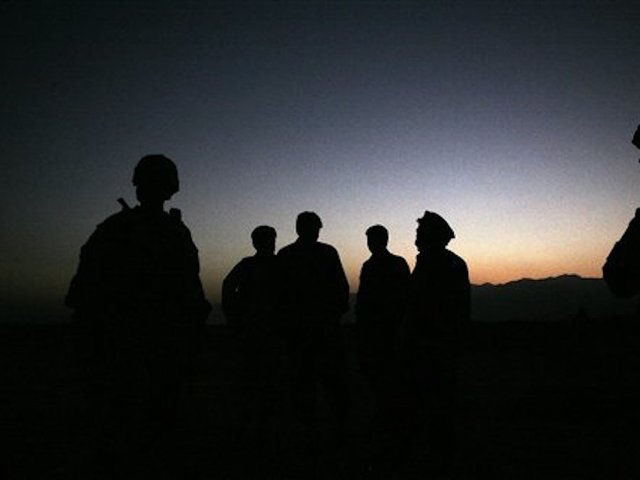 US casualties in Afghanistan after mortar lands near helicopter