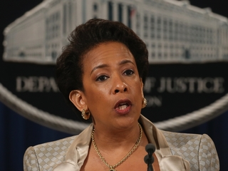 Lynch asked to share Clinton email conversations
