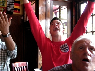 How to be a football fan, according to Brits