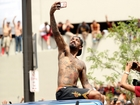 POTUS disapproves of J.R. Smith's shirtless look