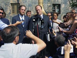 Former LA sheriff withdraws guilty plea