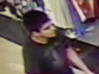 Police search for suspect in Wash. mall shooting