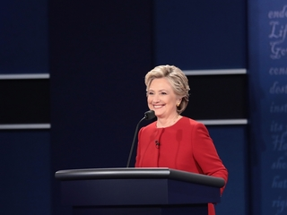 Fox News host criticized over Clinton comment