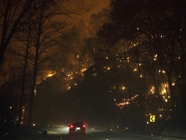 Great Smoky Mountains wildfire: Parts of Gatlinburg destroyed