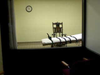 Death sentences, executions decline in US