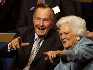 President H.W. Bush to flip coin for Super Bowl