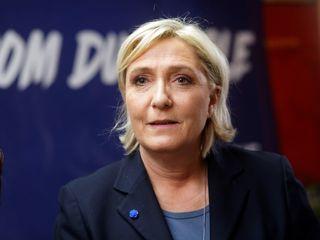 Le Pen cancels Lebanon meeting over veil