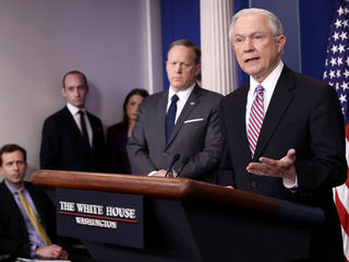 White House keeps up sanctuary cities pressure