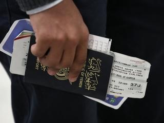 Judge extends travel ban restraining order