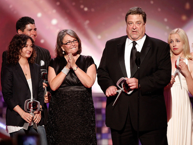 Laurie Metcalf, John Goodman & More Set for Revival of TV's ROSEANNE?