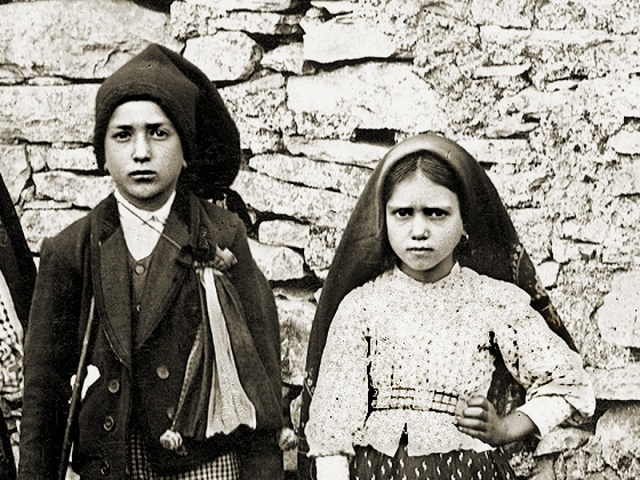 Pope Francis declares two Portuguese shepherd children saints in Fatima