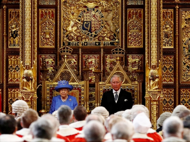 Queen's Speech: Corbyn attacks 'Government without majority'