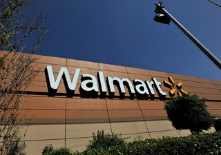 Walmart unveils grocery pickup at four locations
