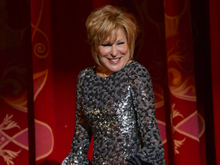 Bette Midler 'fine' after fall during 'Dolly'