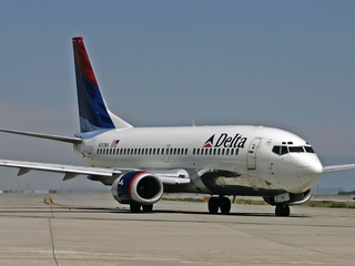 Facebook scam offers free Delta airline tickets