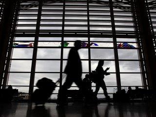 Airline-bumping hits lowest rate in decades