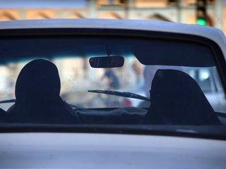 Saudi Arabia ends women driver ban