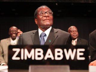 Zimbabwe ruling party ousts leader Robert Mugabe