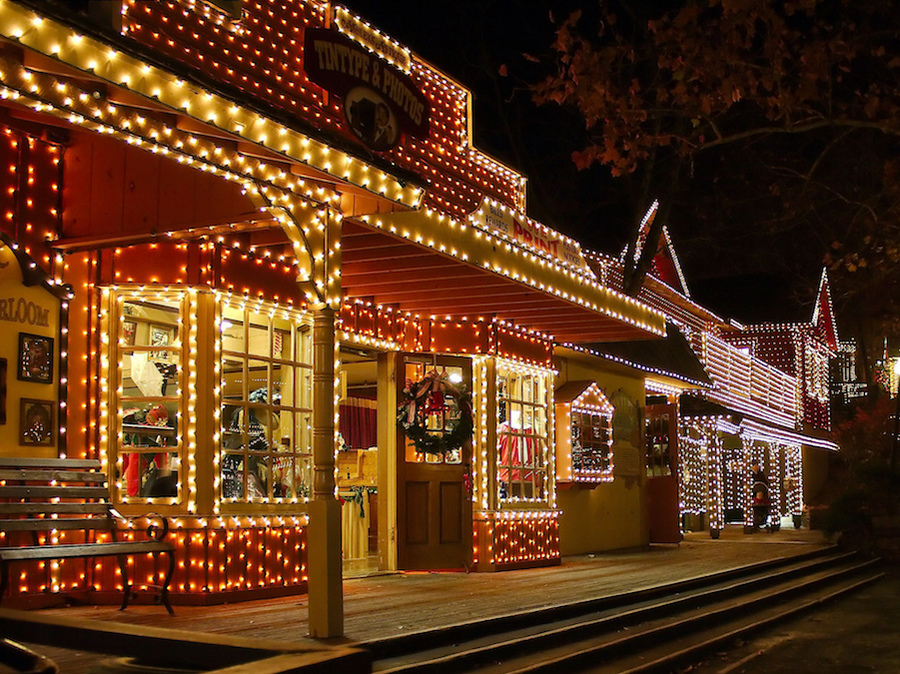Christmas lights in town Best places to visit for christmas in usa