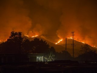 Thomas Fire continues to burn in California