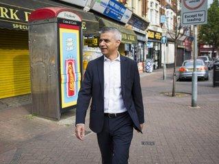Protesters interrupt London Mayor Sadiq Khan