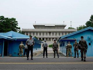 North Korean art troupe might cross DMZ on foot