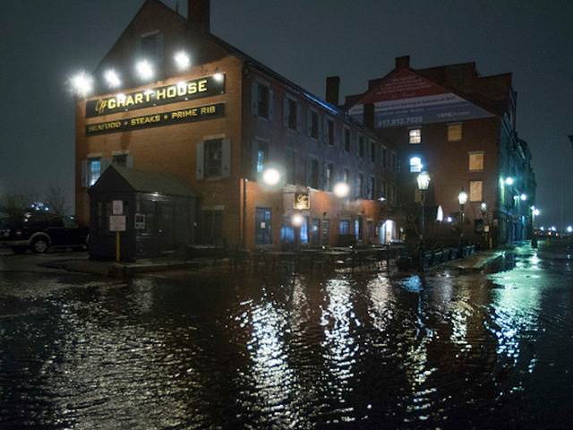 Killer storm clears northeast U.S. , leaving floods and outages