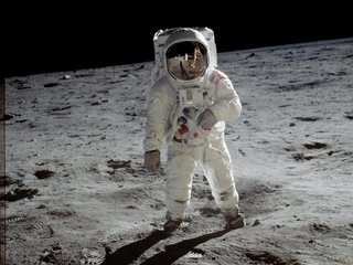 No, Buzz Aldrin didn't see aliens in space