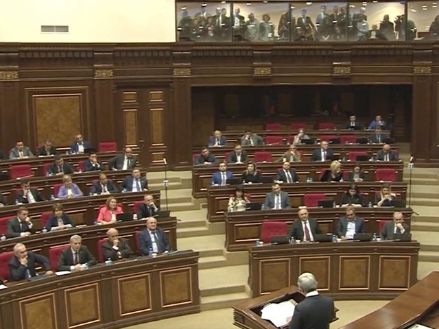Armenian president starts negotiations with political forces to overcome the turmoil