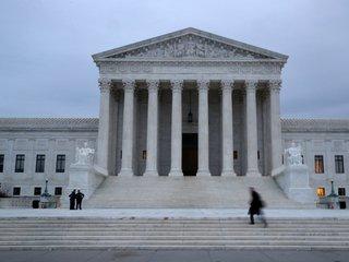 SCOTUS strikes down sports gambling law