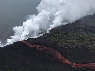 Lava flows create toxic gas in Hawaii