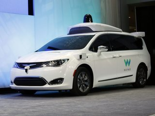 Waymo adds 62,000 minivans to self-driving fleet