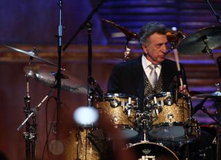 Longtime Elvis Presley drummer D.J. Fontana dies