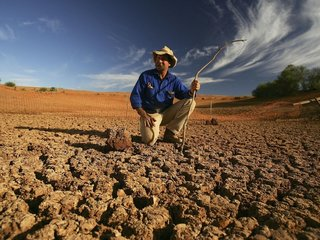 Australian farmers suffer through drought