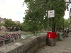 Paris installs very public urinals